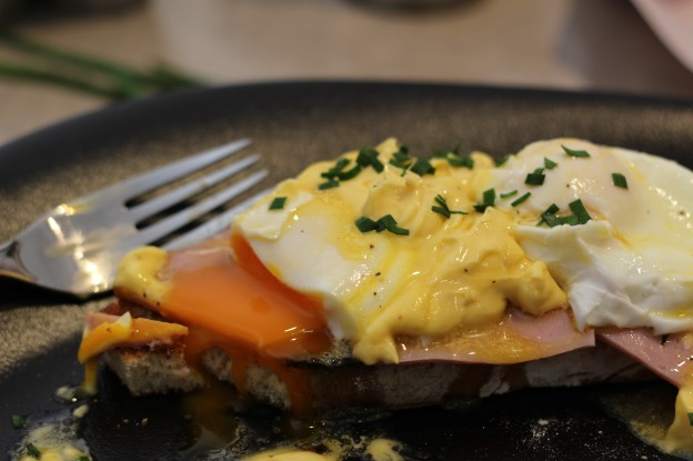 Eggs 2 Benedict